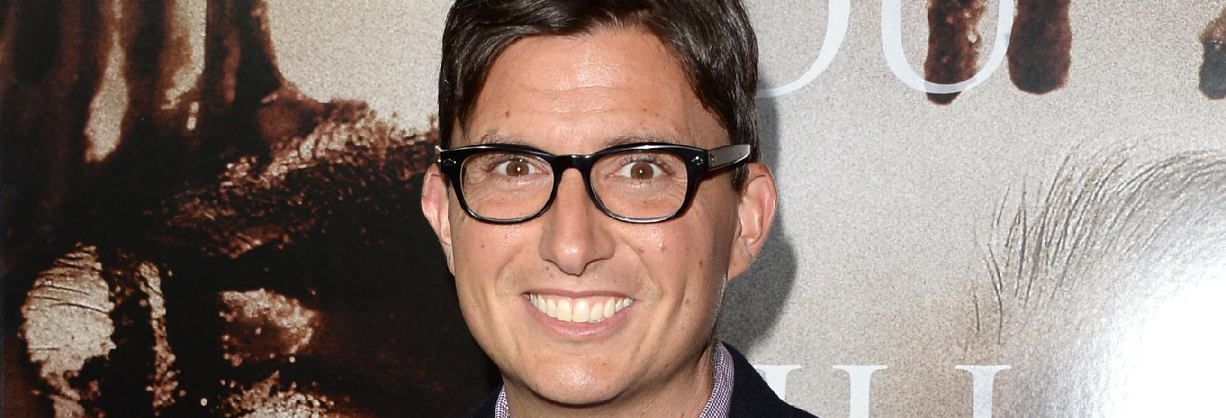"Roberto Aguirre-Sacasa, Creatore di ""Riverdale"" firma un Contratto con Warner Bros. TV"