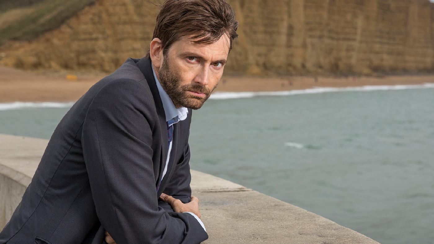 Deadwater Fell: la nuova Serie Channel 4 con David Tennant e Cush Jumbo