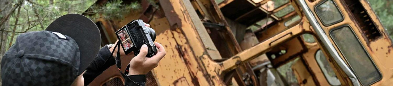 Chernobyl: un'Ondata di Influencer Sorridenti invade l'Area. Craig Mazin Protesta