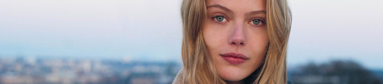 The Witcher: Frida Gustavsson si Unisce al Cast dell'Attesa Serie TV