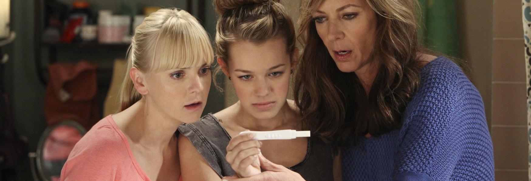 Mom: quando la Dipendenza diventa un Affare di Famiglia. Recensione della Serie