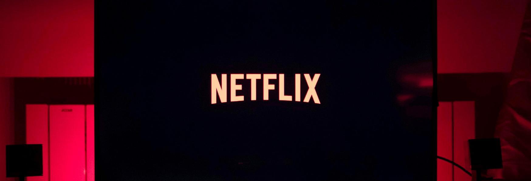 "La geniale Campagna #iorestoacasa proposta a Netflix: ""Se Esci riceverai Spoiler"""