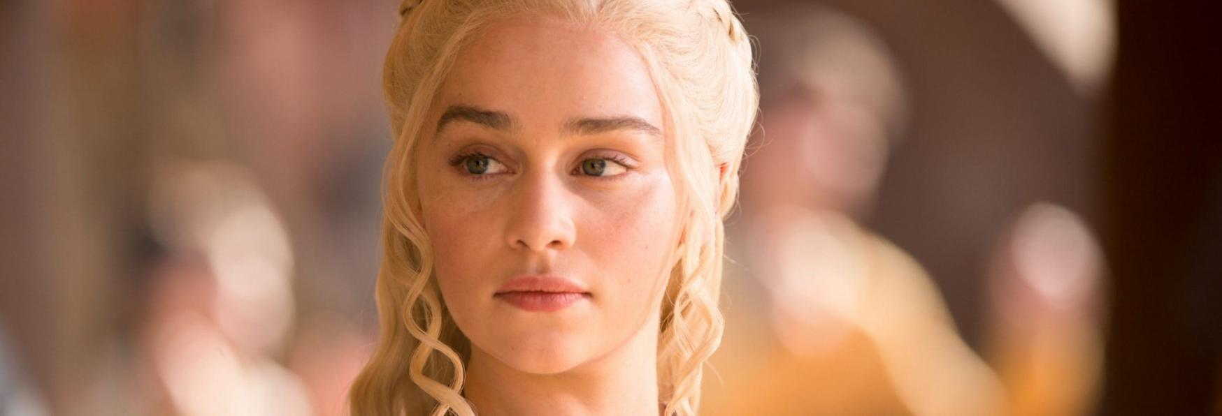 Game of Thrones: Emilia Clarke racconta le Differenze tra il Cast Maschile e Femminile in fatto di comfort