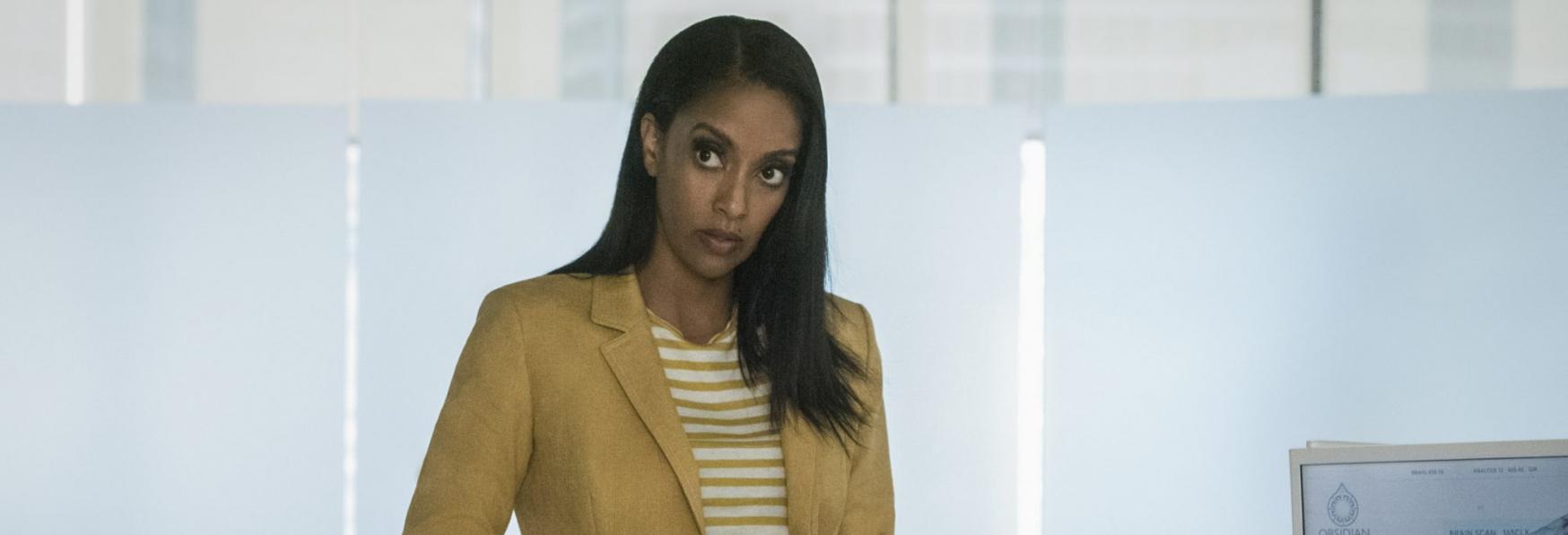 Supergirl: un primo sguardo a Azie Tesfai nel Ruolo di Guardian