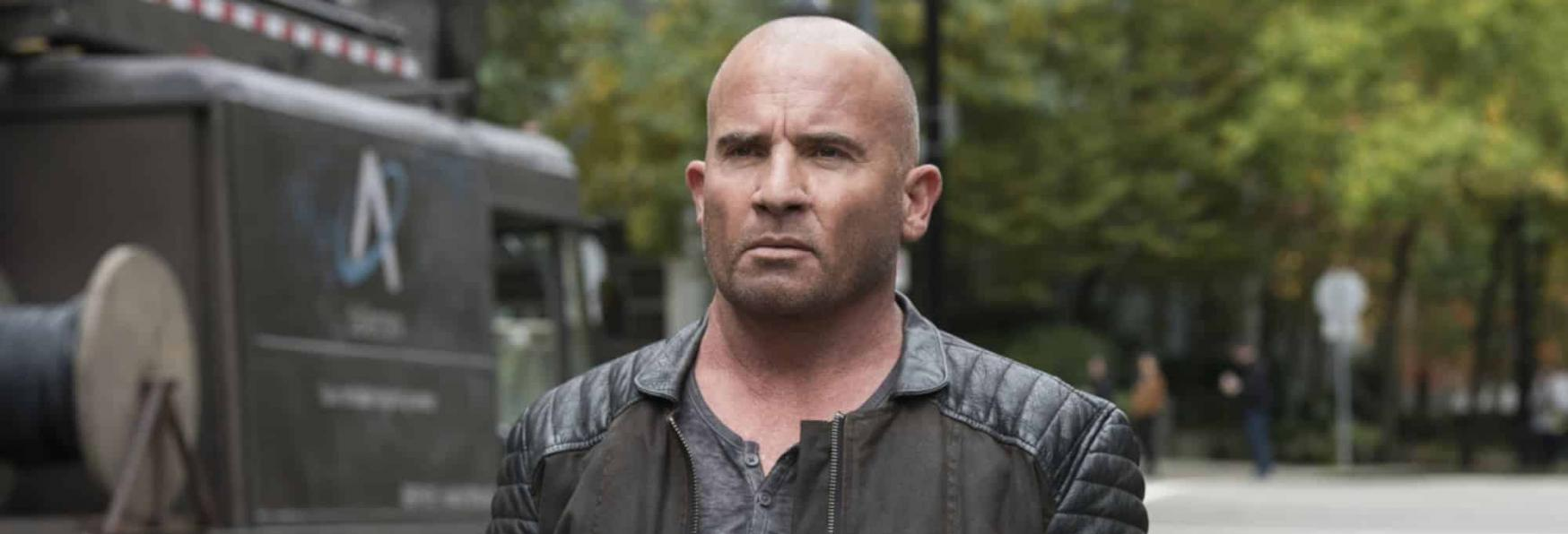 Legends of Tomorrow: lo Showrunner commenta le Vicende relative a Dominic Purcell