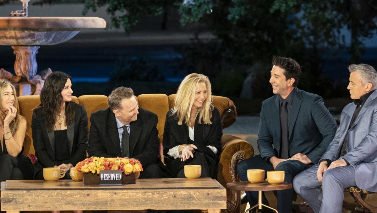 Friends Reunion: le Foto pubblicate da David Schwimmer del Dietro le Quinte