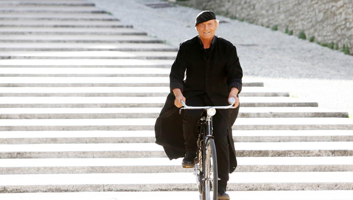 Terence Hill saluta Don Matteo e commenta l'Ingresso di Raoul Bova nella Serie TV Italiana