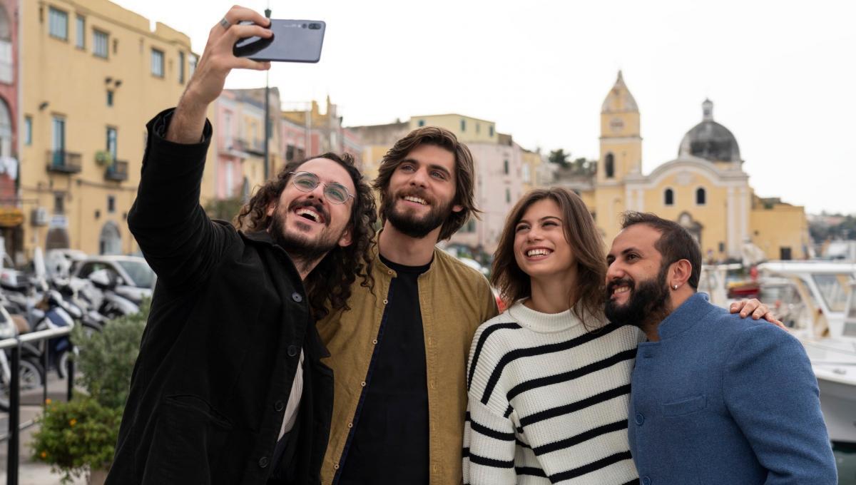 Generazione 56k: la Recensione della nuova Serie TV dei The Jackal su Netflix