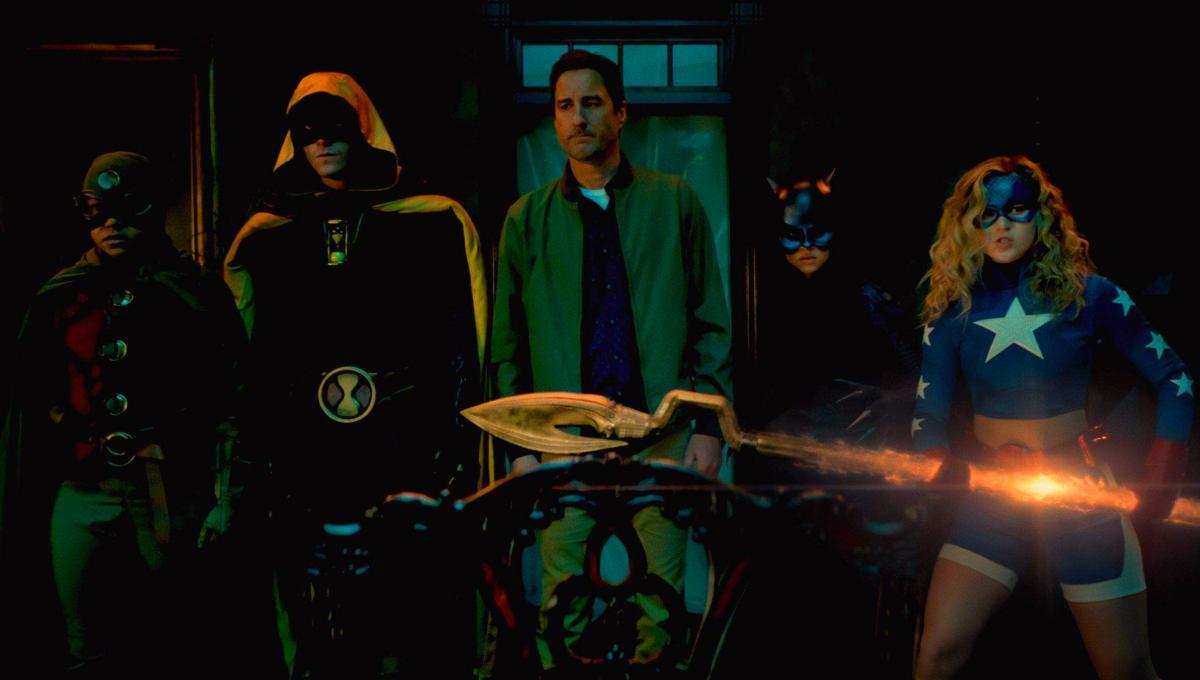 "Stargirl 2x06: un Video Anteprima dell'Episodio ""Summer School: Chapter Six"""