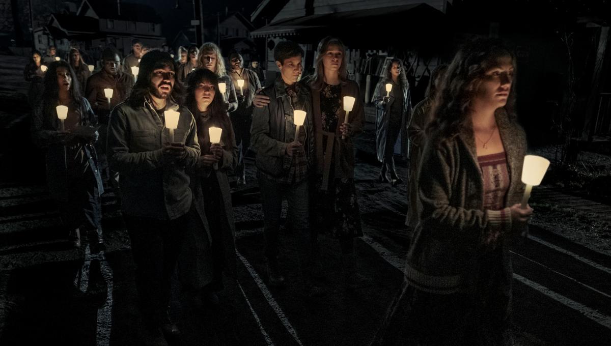 Midnight Mass: Trama, Cast, Trailer, Data di Uscita e Anticipazioni della Serie TV Netflix di Mike Flanagan